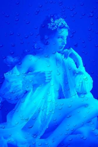 """LOve Me / Cie Katarsis - La Cie Katarsis a initié un collectage de lettres d'amour pour comprendre comment on se dit """"j'ai envie de toi"""" ou """"je t'aime""""... Entrez dans le cabanon de l'amour... http://www.lebarason.fr/"""