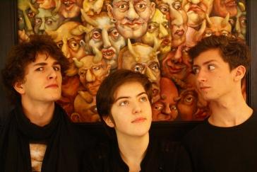 Elvire (pop rock) - Elvire est un trio pop-rock en évolution autant dans sa formation que dans son style depuis sa fondation en 2014. Ils défendent des textes en français, souvent sombres bien que non dénués d'humour. Avec leur rock accrocheur, ils eu l'occasion de jouer dans le village du festival Bobital en 2015. Avec un premier EP à l'été 2017, le groupe cherche à présent à se produire plus auprès du public.