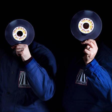 Vendange Tardive (45 tours on ze beach) - DJ set vinyle joué uniquement en 45 Tours. De la Soul, du Funk, de la Disco, du Rap et du Rock seront au menu pour vous mettre en jambe en ce début de Fête du Valais !